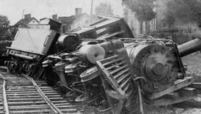 Socialist train.jpg